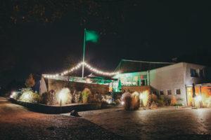 C.ulturgut_Aussendeck bei Nacht