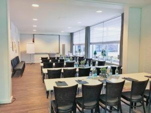 Raum Waldblick_Tagung parlamentarisch